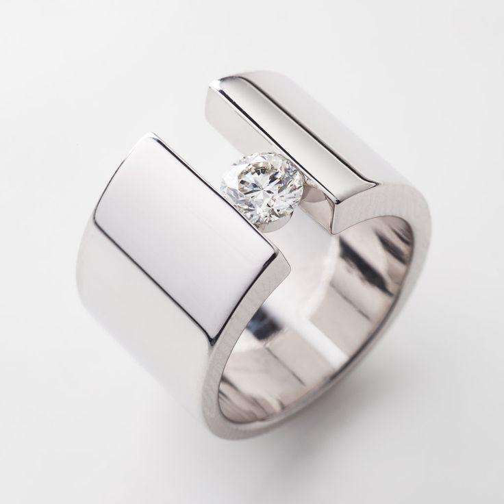 Luxury jewelry 20172018 modern engagement ring design with white trendy luxury jewelry 20172018 modern engagement ring design junglespirit Images