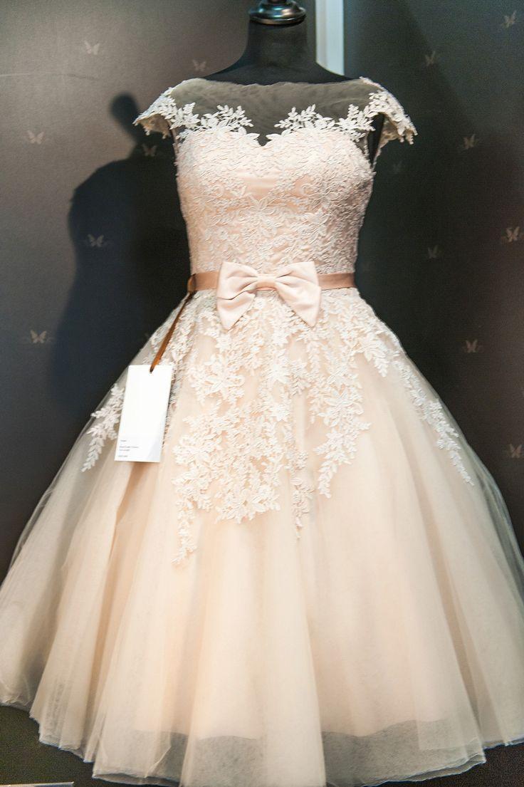 8f8a4781ef 80 Short Wedding Dresses - Tea Length and Knee Length White .