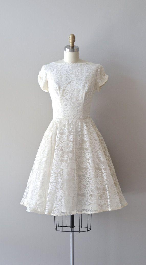 Short wedding dresses lace 50s wedding dress 1950s for 50 s style short wedding dresses
