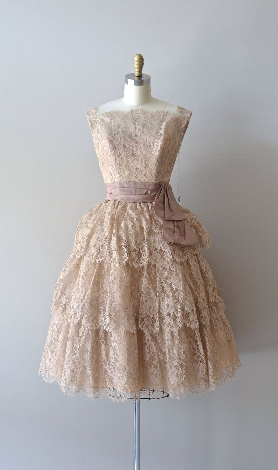 Short wedding dresses vintage 50s lace dress 1950s for 50 s style short wedding dresses