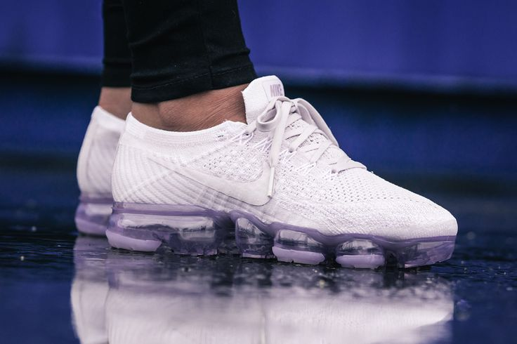 Sneakers Women's Fashion : On Foot: Nike WMNS Air VaporMax