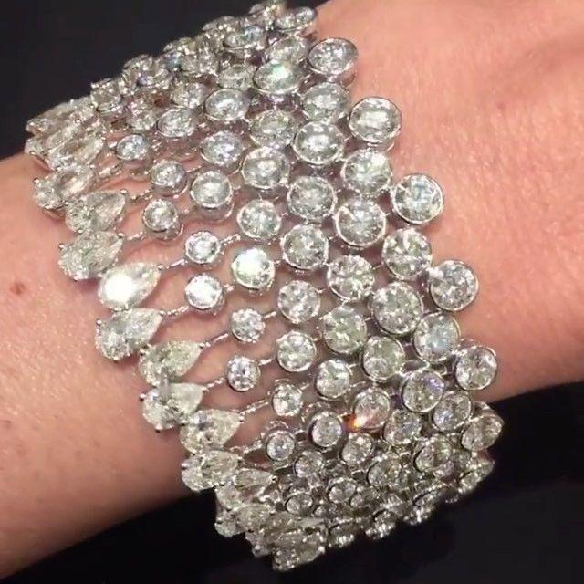 Best Diamond Bracelets : Gorgeous Graff Diamonds via @lauracanepablaser !!