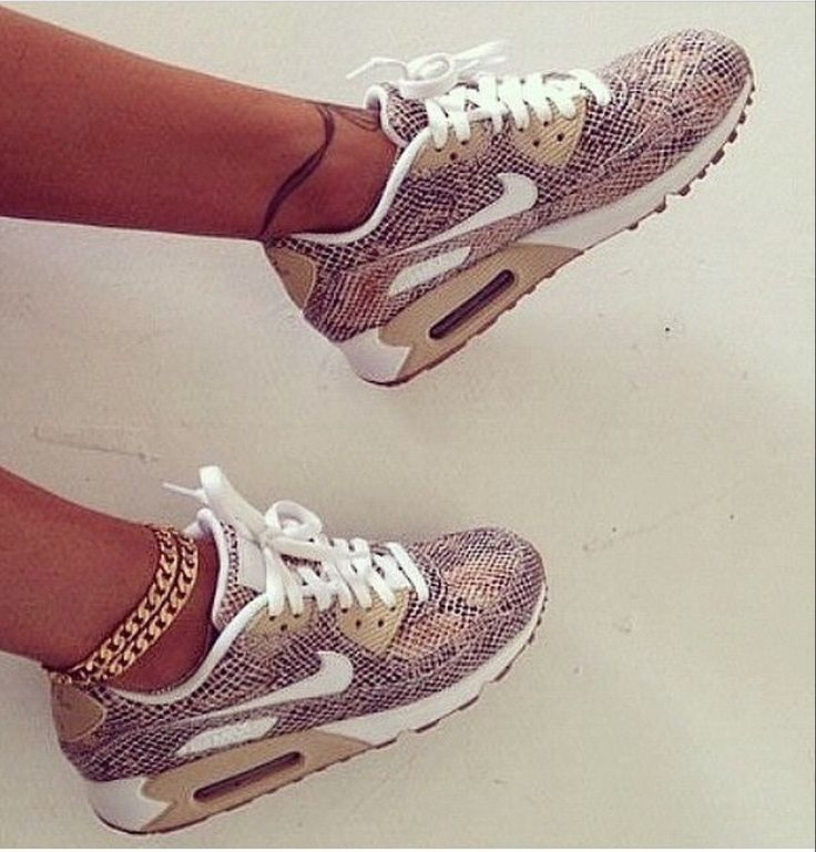 Sneakers Women's Fashion : Air max!!