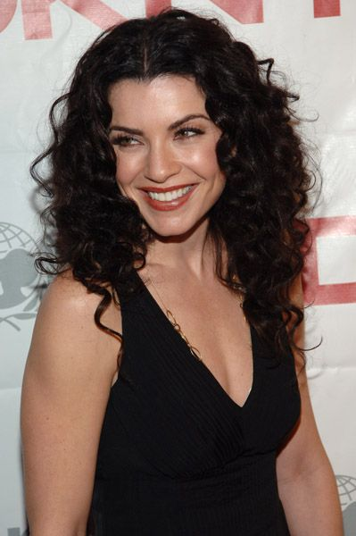 Trendy Hair Style Julianna Margulies Love Her Hair