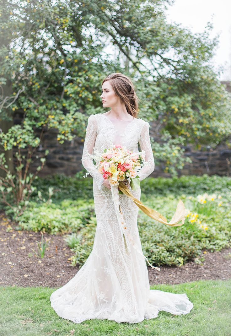 Beautiful Brand Wedding Dresses With The Bouquet Www