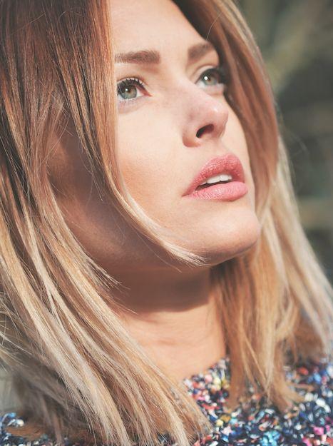Trendy Hair Style : Caroline Receveur hair & beauty