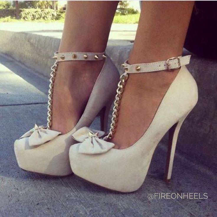 Trendy Women's High Heels : Hot or Not?