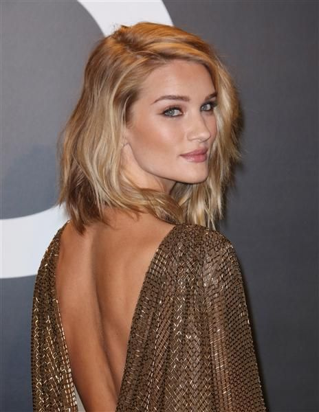Trendy Hair Style Model Rosie Huntington Whiteley Went From A
