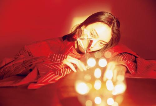 Fashion Editorial : 红蹙 (Red Dragonfly)Ph. Aki Leen for Modern Weekly