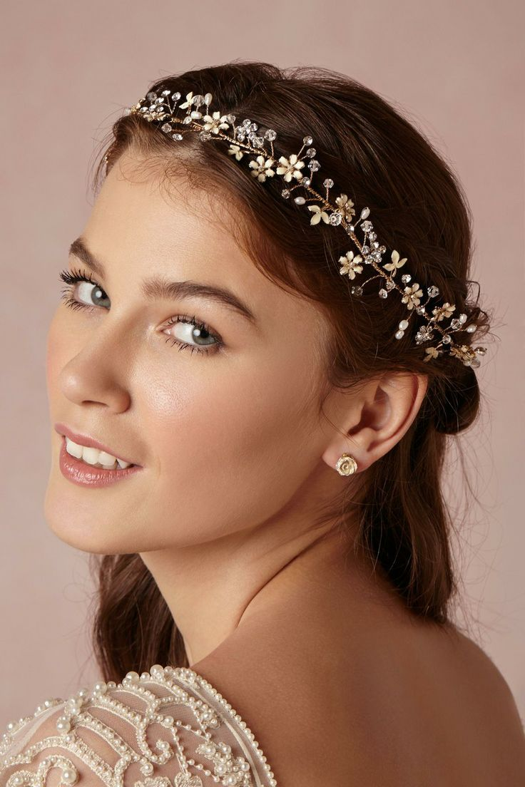 Wedding Hair With Flowers & jewels : Buttercup Halo