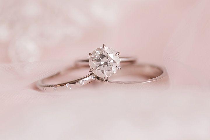 Engagement Rings & Wedding Rings : Pretty ring shot; Jennifer Stuart Photography